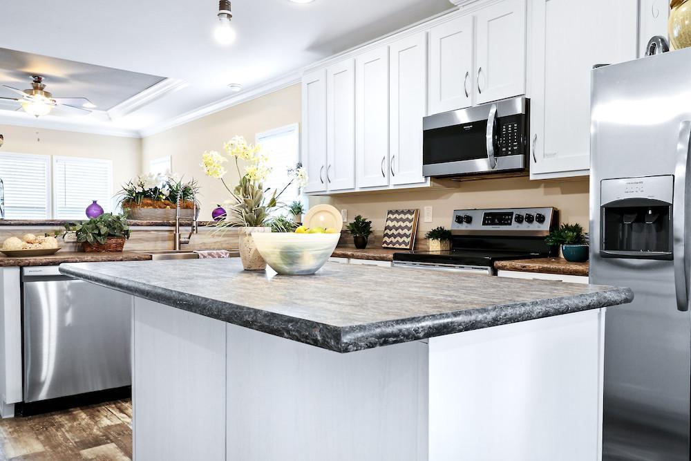 Developer mobile home model Crenshaw kitchen view 13
