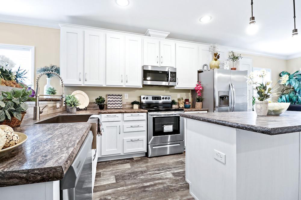 Developer mobile home model Crenshaw kitchen view 14