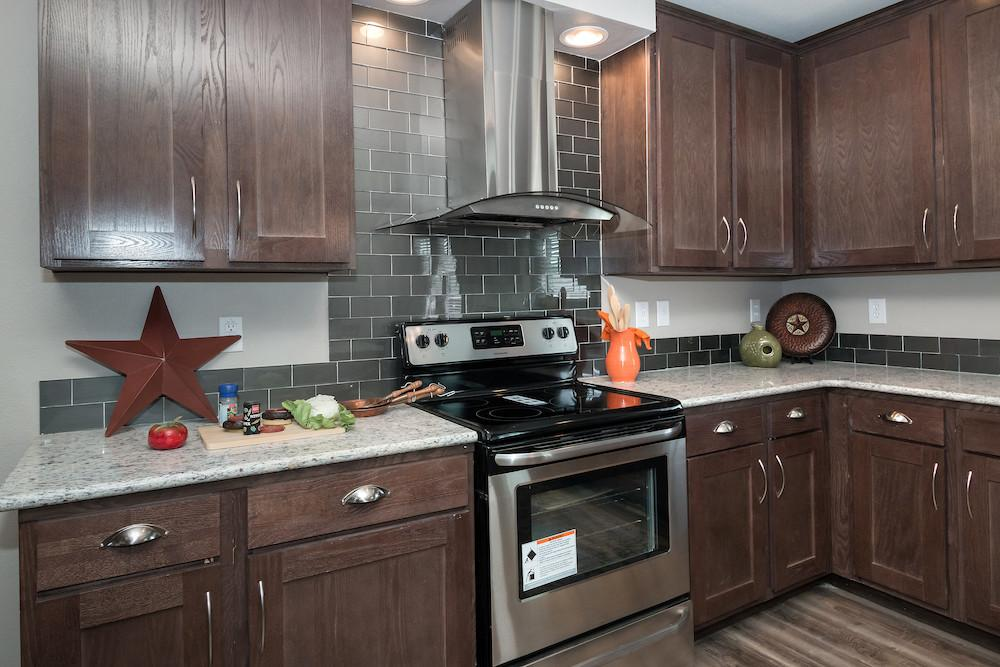 Schult mobile home model Saratoga kitchen view 10